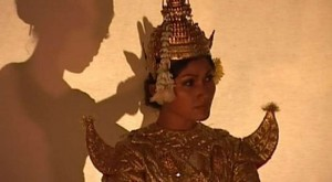 1000x550_video-carnets-d-asie-cambodge-palais-bonzes-et-danseuses-3-4_i1f